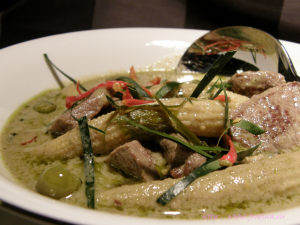 Gaeng Keow Wahn Nua – grünes Thai-Curry mit Rind