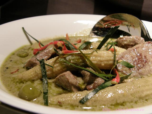 Gaeng Keow Wahn Nua - grünes Thai-Curry mit Rind