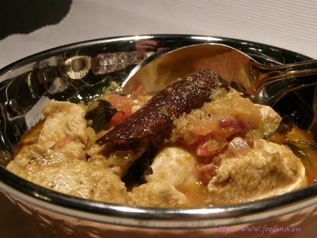 Chicken Salna - aromatisches Hähnchencurry mit feinen Gewürzen
