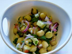 Kichererbsensalat mit Salzzitronen