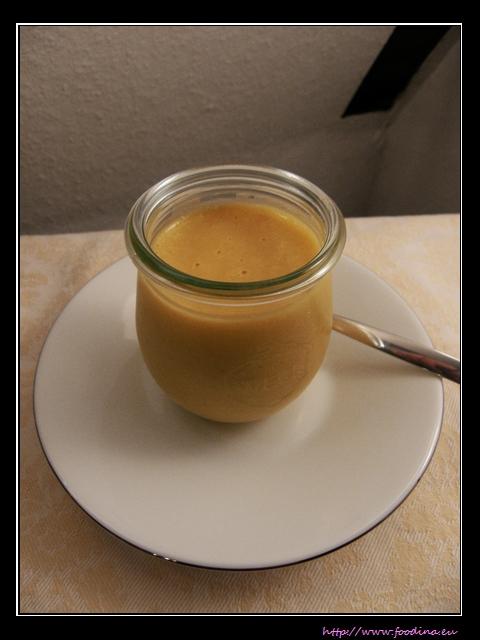 Mango-Pudding mit Kokosmilch