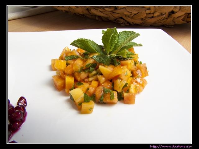 Papayasalat mit Minze und grünem Pfeffer