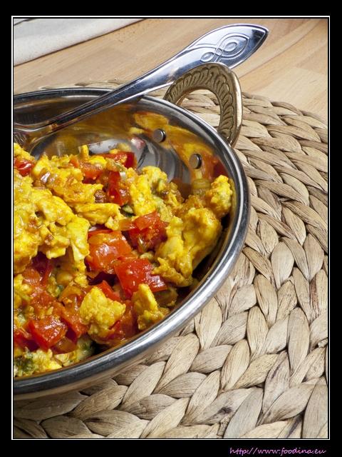 Khageena - indisches Rührei mit Tomaten und Gewürzen