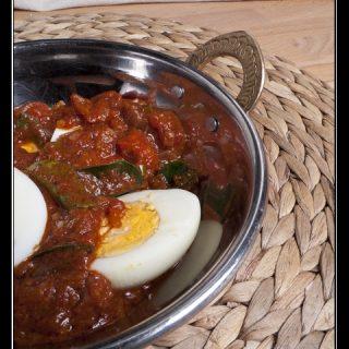 Egg Bafat - Eier in scharfer Tomatensauce