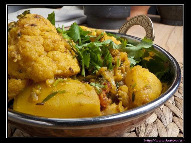 Aloo Gobi Masala - Blumenkohl-Kartoffel-Curry