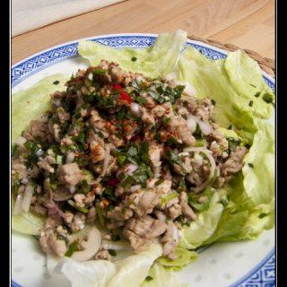 Larb Moo - thailändischer, scharfer Schweinefleischsalat