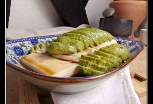 E'li Dou Fu – Seidentofu mit Avocado