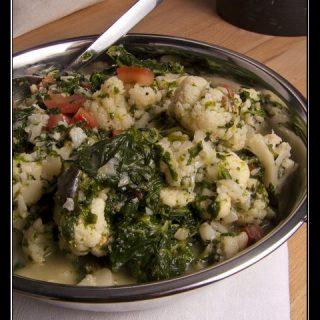 Cauliflower Keerai Thenga Paal - Blumenkohl mit Spinat und Gewürzen