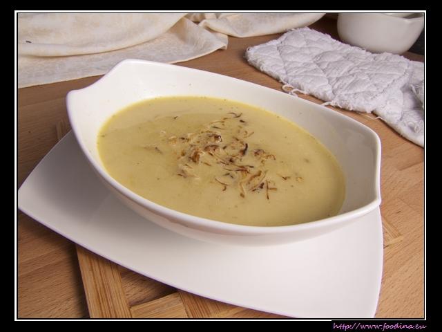 Kichererbsensuppe mit gebratenem Sauerkraut