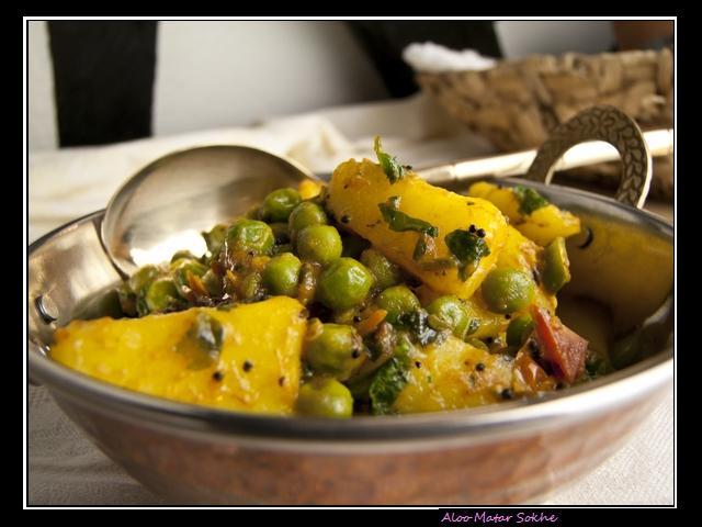 Aloo Matar Sookhe - Kartoffelcurry mit Erbsen und Tomaten