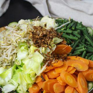 Gado Gado - Gemüse mit Erdnusssauce
