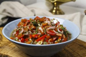 Sambal iris –  Zwiebel-Tomate-Chili-Salsa