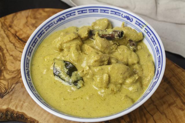 Opor Ayam - indonesisches Hähnchencurry