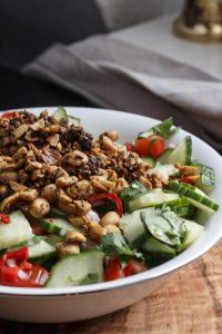 [Indische Woche] Chucumber – Gurkensalat mit Tomate und Erdnüssen
