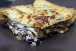 Vincisgrassi – Lasagne mit Hühnerleber, Champignons und Trüffel