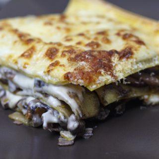Vincisgrassi - Lasagne mit Hühnerleber, Champignons und Trüffel
