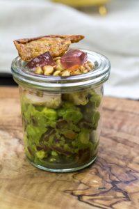 [Fingerfood] Salat von Avocados und Perlhuhn mit Himbeergelee