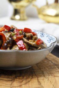 [chinesisch] Rindfleisch mit Paprika und Bohnensauce