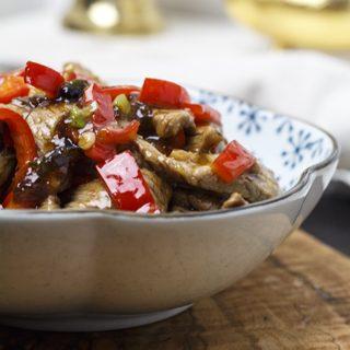 Rindfleisch mit Paprika und Bohnensauce