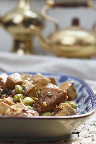 Ji Ding Dou Fu - Tofu mit Hühnerfleisch in dunkler Sauce