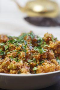 [indisch] Sunhere Rangeel Phool – goldene Blumenkohlröschen mit Erbsen
