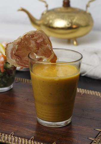 Süsskartoffelcreme mit Curry und knuspriger Pancetta