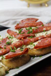 [Fingerfood] Schnittchen mit Artischockencreme und Chorizo