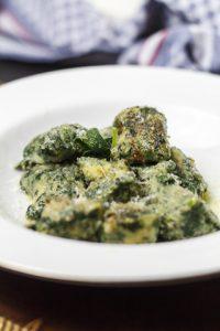 [italienisch] Gnocchi di pane e spinaci – Brotgnocchi mit Spinat