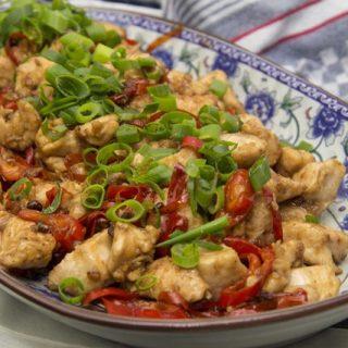 Hähnchenfleisch nach Szechuan-Art - La Zi Ji Ding