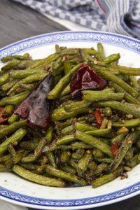 [chinesisch] Trocken gebratene grüne Bohnen – Gan Bian Si Ji Dou