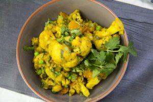 [indisch] Blumenkohl mit Erbsen und Möhren – Fulaver Gajjar Vatana Nu Shak