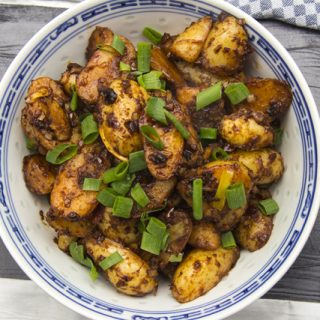 Rotgeschmorte Kartoffeln