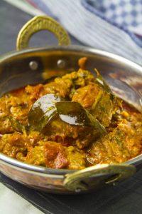 [indisch] Andhra-Lammcurry – zartes Lammfleisch in einer pikanten Sauce