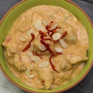 [indisch] Kashmiri Chicken - cremiges Hähnchencurry mit Joghurt und Nüssen