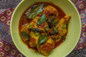 [indisch] Kori Tamatar – duftendes Hähnchencurry mit Tomaten