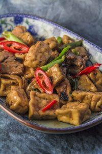 [chinesisch] Pengjia doufu – Tofu mit Schweinefleisch in würziger Sauce