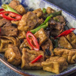 [chinesisch] Pengjia doufu - Tofu mit Schweinefleisch in würziger Sauce