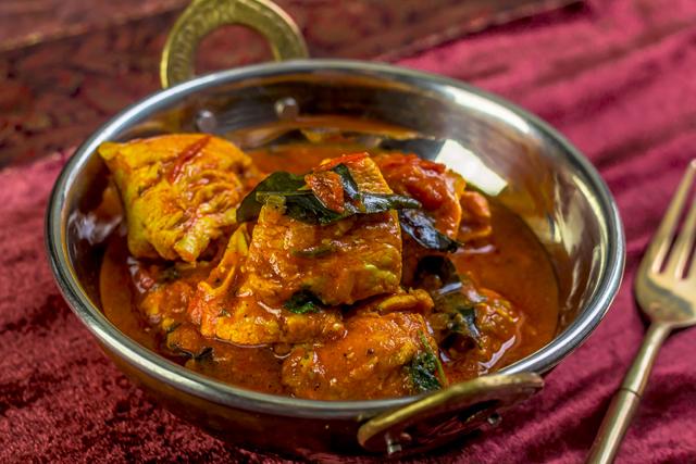 [indisch] Chicken Vindaloo in einer Variante mit Nüssen und Rosinen