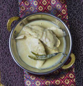 [indisch] Safed Murgh Korma – mildes Hähnchencurry in weißer Sauce