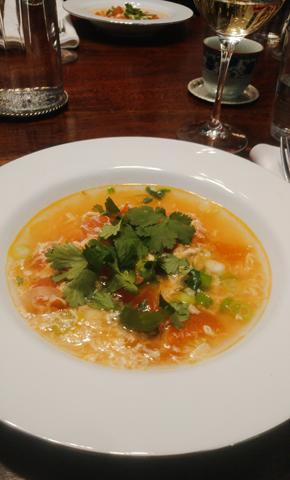 Tomaten Eierblumen Suppe