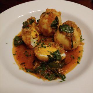 Kai Tom Pad Ped - scharfe Curry-Eier mit Thaibasilikum, schnell und lecker