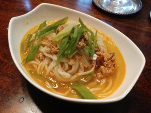Tan Tan Men – japanische Nudeln in pikanter Brühe, bestes Seelenfutter für Regenwetter